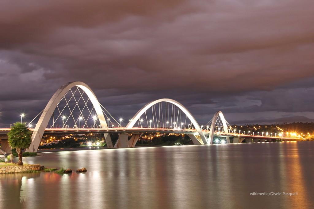 10) Puente Juscelino Kubitschek_wikimedia_Gisele Pasquali