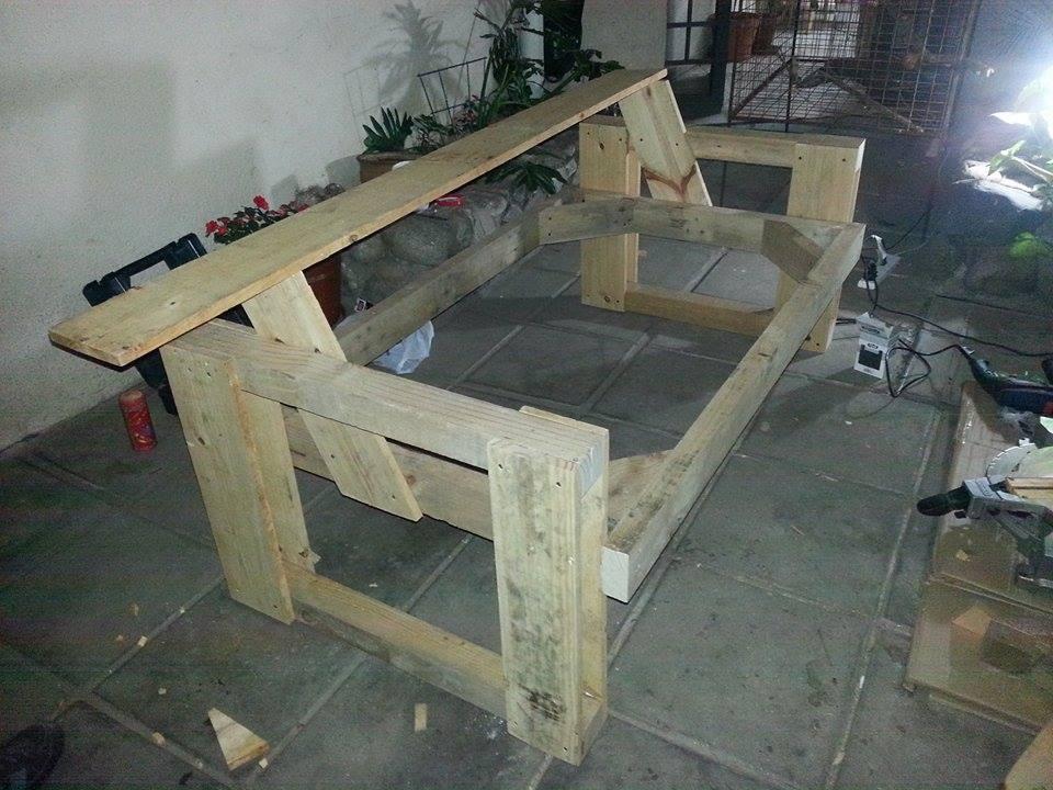 Un sillon con maderas recicladas construir tv - Como hacer un sillon de madera ...