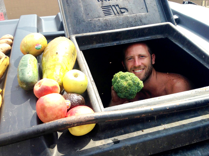 Dumpster-Diving-Across-Wisconsin-with-Rob-Greenfield2-1024x768