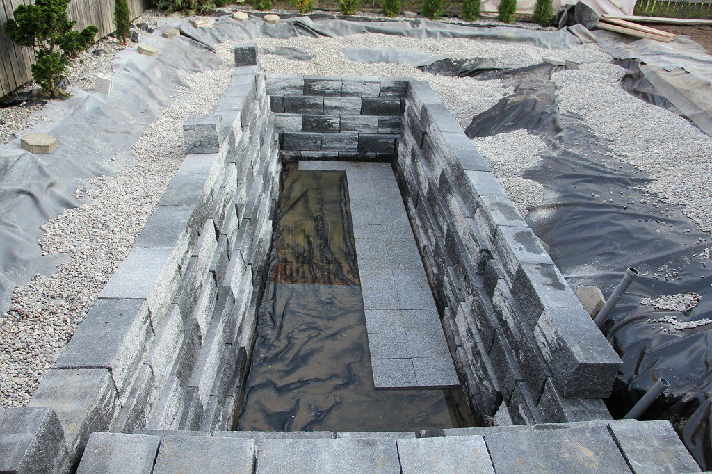 piscina-natural-de-piedra-16