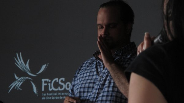 Federico Sykes en el Primer Festival Internacional de Cine Sordo / Escribiendo Cine