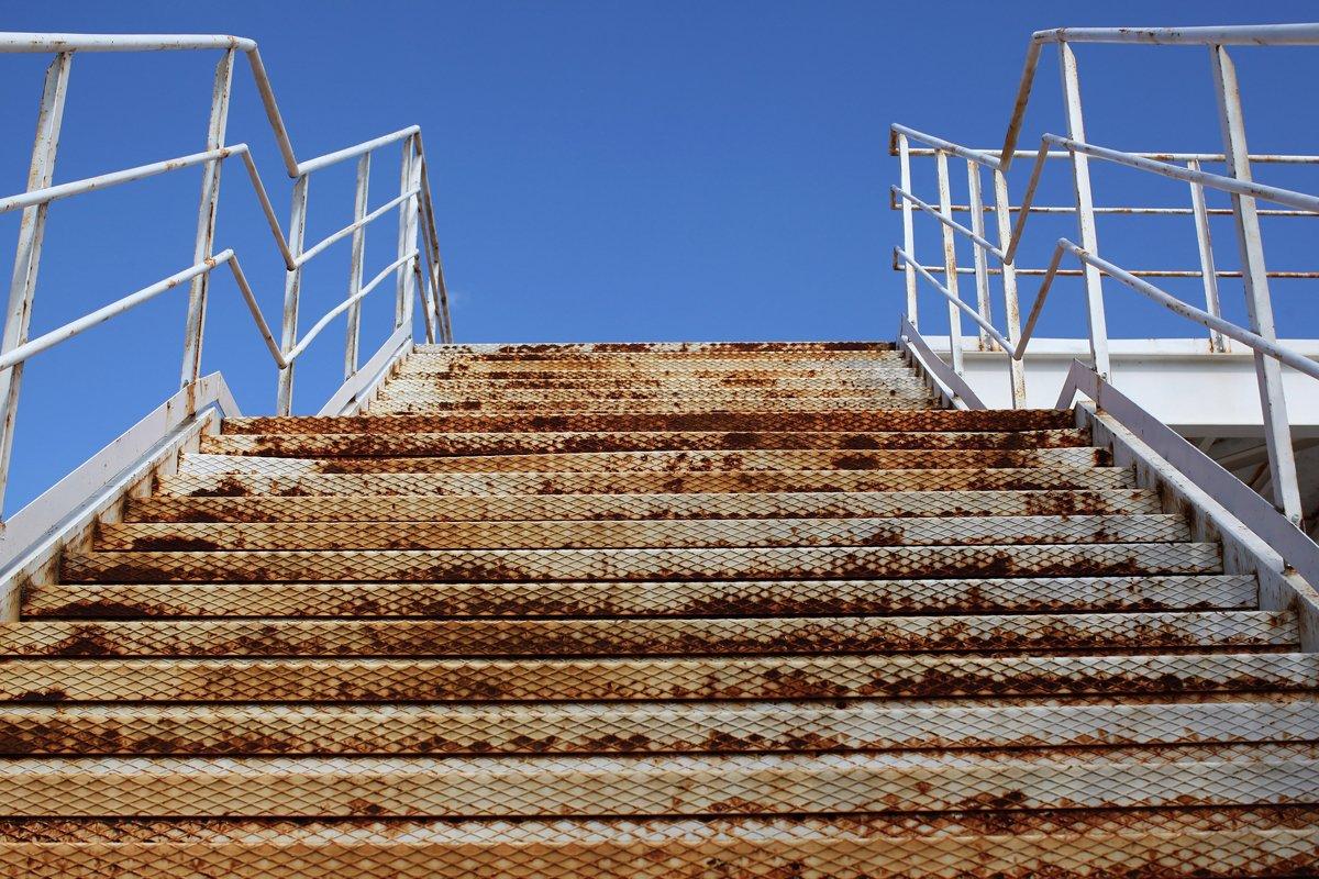 El clima griego con su humedad deterioran rápidamente las instalaciones.